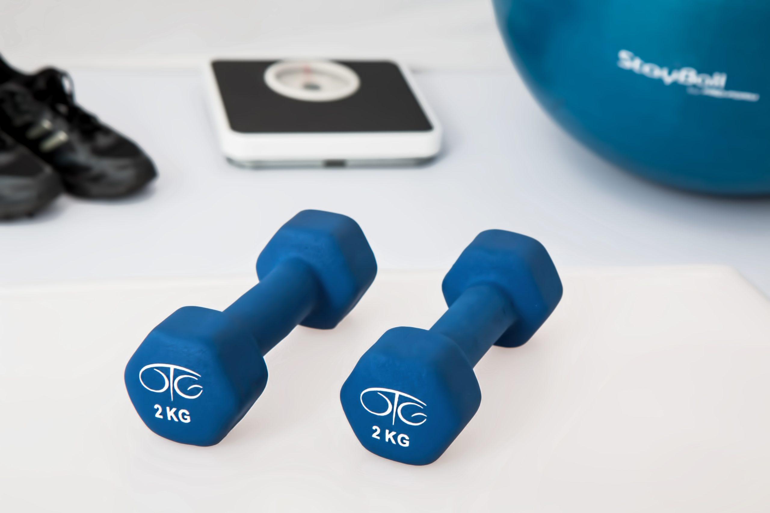 Træningsterapi på Klinik Lasota. Håndvægte.